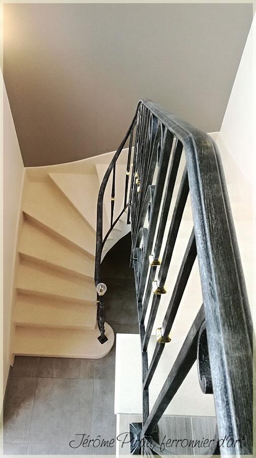 rampe escalier quart tournant elegant beautiful rampe escalier brico depot fashion designs et. Black Bedroom Furniture Sets. Home Design Ideas